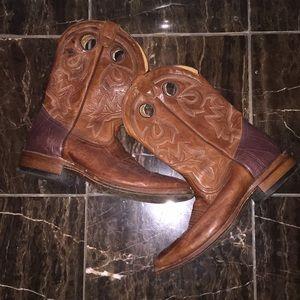 Cowboy boots 🤠